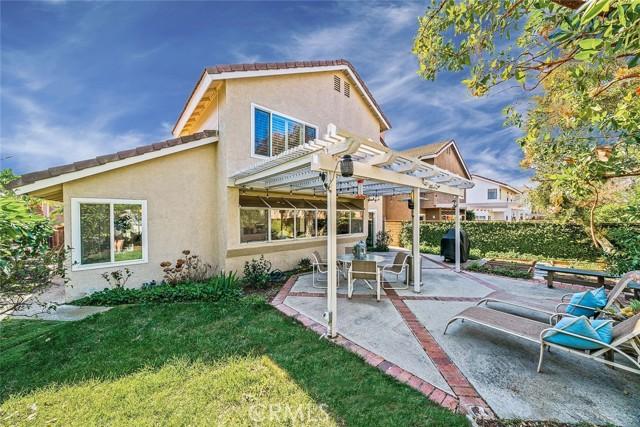 22 Phillipsburg, Irvine CA: http://media.crmls.org/medias/a13871bc-2ef4-4c11-8d0f-88e635db99e0.jpg