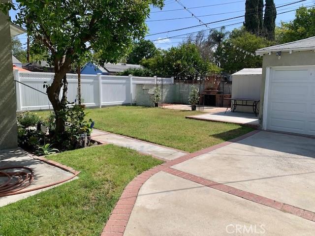 4922 Riverton Avenue, North Hollywood CA: http://media.crmls.org/medias/a139cbfa-841f-4820-944a-be57b2f834ef.jpg