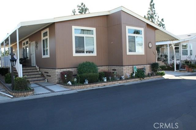 24001 Muirlands Boulevard, Lake Forest CA: http://media.crmls.org/medias/a1498286-1331-4656-8a6f-2b98340cb2c0.jpg