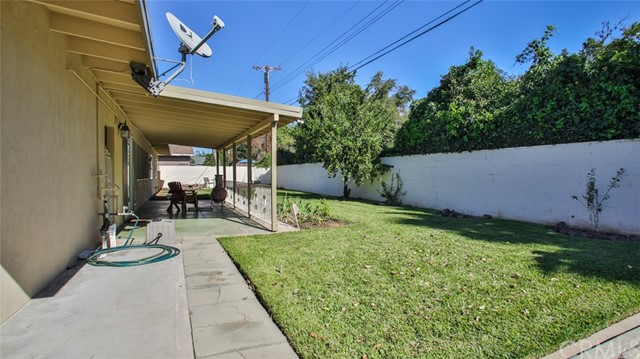 5352 Tower Road, Riverside CA: http://media.crmls.org/medias/a16f3b8d-e8f9-4f29-b68c-4a7bbb4f50dd.jpg