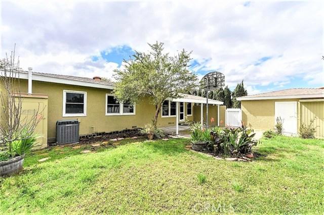 1431 Riviera Drive, Santa Ana CA: http://media.crmls.org/medias/a173b5c5-f923-4d64-a88b-b1777fb8a38b.jpg