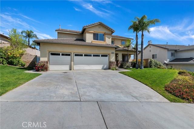 16262 Skyridge Drive, Riverside CA: http://media.crmls.org/medias/a176fe69-f2a1-4650-8b45-3f67f66f7474.jpg