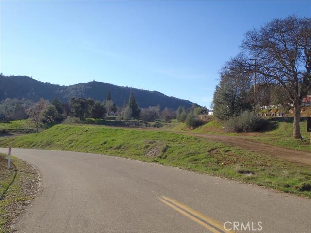 5155 Fournier Road, Mariposa CA: http://media.crmls.org/medias/a17ed6be-5544-4e1f-af3b-a0edc2116505.jpg