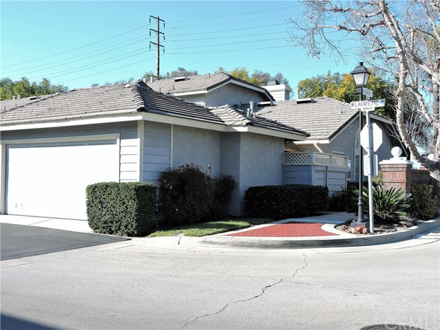 2051 W Lafayette Dr, Anaheim, CA 92801 Photo 2