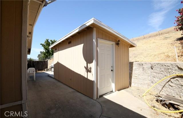 4073 Longview Lane, Paso Robles CA: http://media.crmls.org/medias/a18f8bcc-e3f1-44a5-93c7-d33501f7f17f.jpg