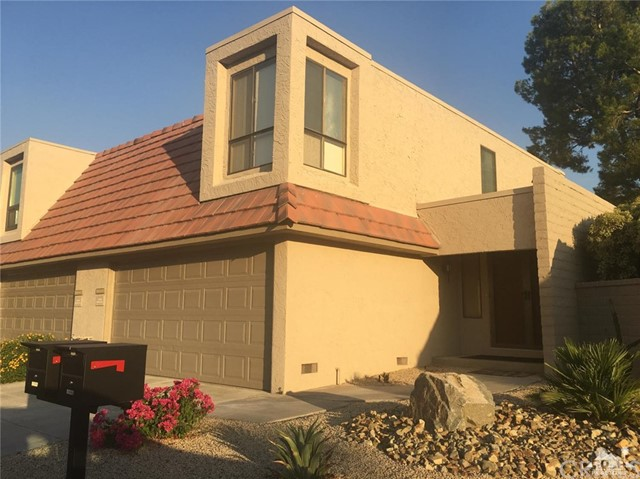 68337 Camino Jalan, Cathedral City CA: http://media.crmls.org/medias/a191098c-aace-4473-abac-5790555d318a.jpg