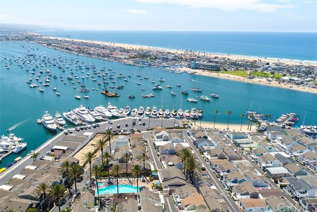 8 Bolivar Street, Newport Beach CA: http://media.crmls.org/medias/a1944b25-a8be-4c77-9d02-fe0bdc3dfd40.jpg