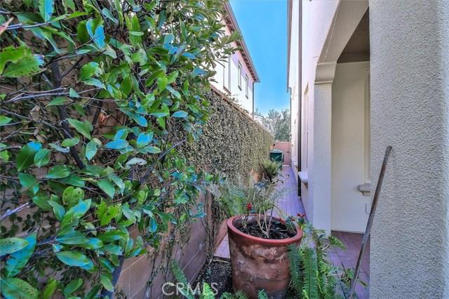 203 Cedarwood, Irvine CA: http://media.crmls.org/medias/a196b6b6-2e7b-4fee-b3cf-f0a54a851762.jpg