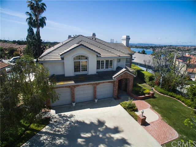 Single Family Home for Sale at 22345 Birchleaf Mission Viejo, California 92692 United States
