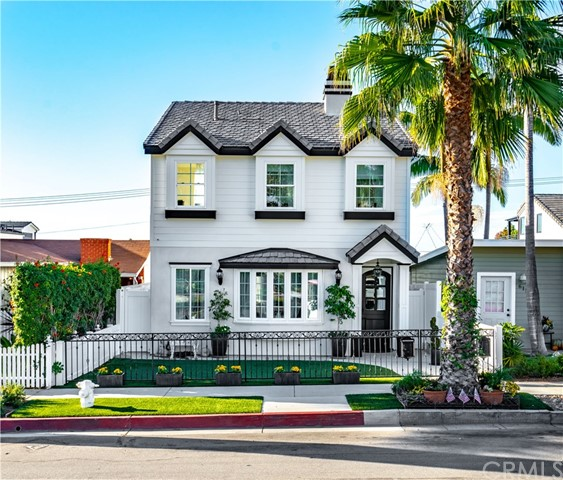 613 Poppy Ave  Corona del Mar, CA 92625