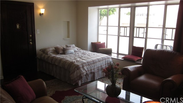 128 Lime Avenue Unit 1 Long Beach, CA 90802 - MLS #: PW18169923