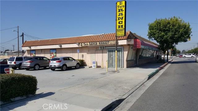 Al por menor por un Venta en 15106 Clark Avenue Bellflower, California 90706 Estados Unidos