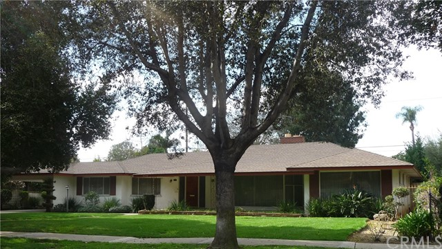 Single Family Home for Sale at 2220 Heliotrope Drive N Santa Ana, California 92706 United States