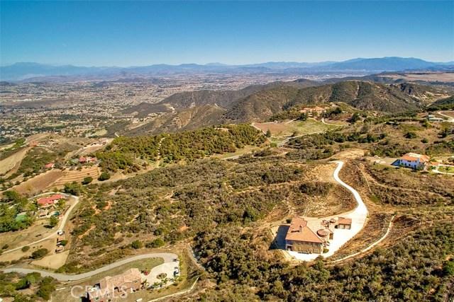 21801 Avenida De Arboles, Murrieta CA: http://media.crmls.org/medias/a1ce1281-34d1-4033-b72c-dd25bf0a1b28.jpg
