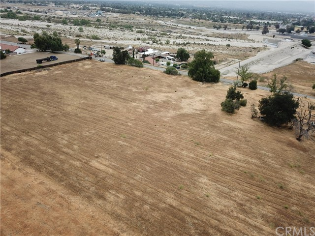 2226 Foothill Boulevard, San Bernardino CA: http://media.crmls.org/medias/a1db5180-0884-4fca-b4f7-4015ecfbde6c.jpg