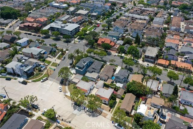 703 -705 El Redondo Avenue, Redondo Beach CA: http://media.crmls.org/medias/a1f1487c-710a-49c1-8d64-6a248c091ca7.jpg