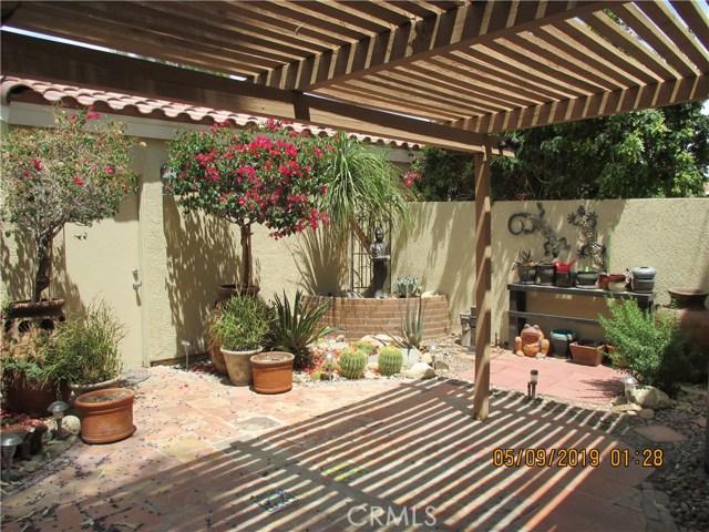 412 Tava Lane, Palm Desert CA: http://media.crmls.org/medias/a1f38c22-fff7-4ce7-9543-d9f279db7f58.jpg