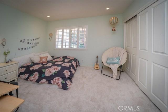 6805 Pala Mesa Drive, Oak Park CA: http://media.crmls.org/medias/a21105dc-012c-4caf-bd27-6939df6898f0.jpg