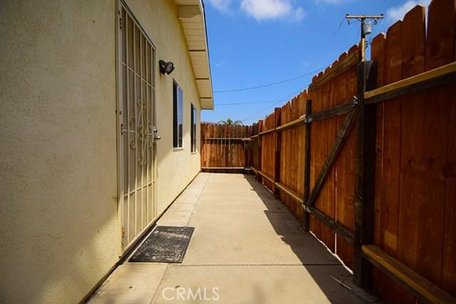 17585 Vine Street, Fontana CA: http://media.crmls.org/medias/a21368a8-cdcb-4684-9c55-897f5d199380.jpg