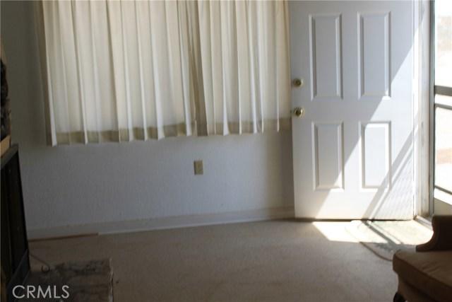 2055 Winfield Road, 29 Palms CA: http://media.crmls.org/medias/a229628a-310f-4f2b-8ff7-c12ccf8d818e.jpg