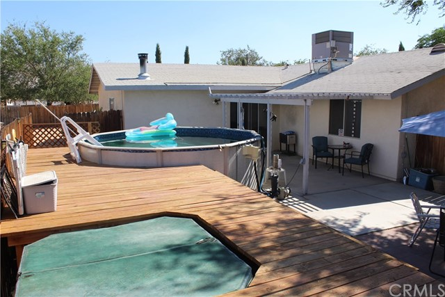 11033 Merino Avenue, Apple Valley CA: http://media.crmls.org/medias/a233b305-e3b0-4fb3-ab53-a670f43b279b.jpg