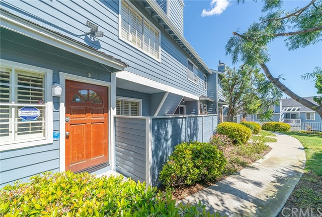 26129 Frampton Avenue, Harbor City, California 90710, 2 Bedrooms Bedrooms, ,2 BathroomsBathrooms,Townhouse,For Sale,Frampton,PV20061475