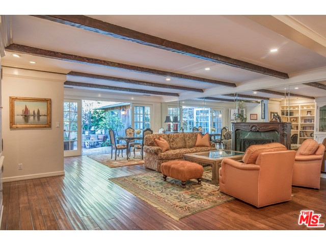 Additional photo for property listing at 3556 Mound View Avenue 3556 Mound View Avenue Studio City, California 91604 United States