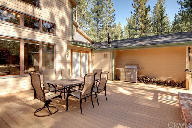 746 Snowbird Court, Big Bear CA: http://media.crmls.org/medias/a2777d7e-6402-4be0-a2f2-907c096a8b17.jpg