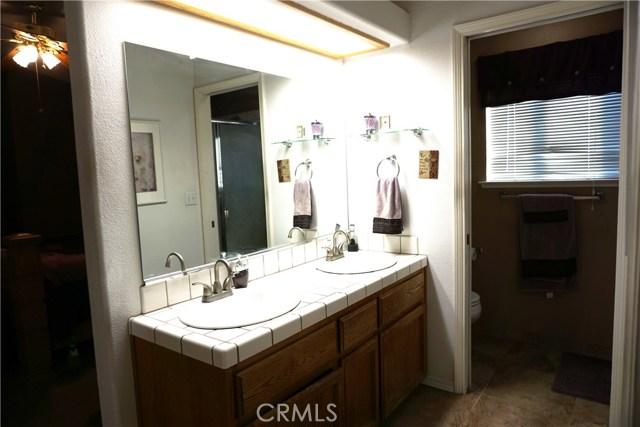 5467 N Delbert Avenue, Fresno CA: http://media.crmls.org/medias/a279680f-5e57-4efc-999e-a3d287309c66.jpg