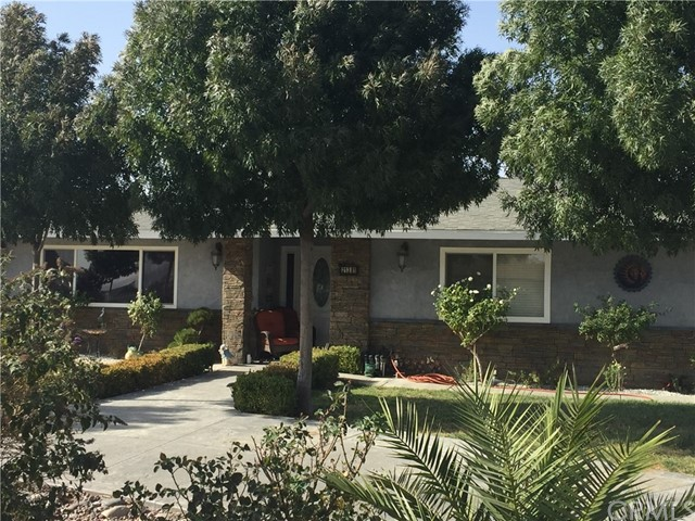 21381 Ramona Avenue Apple Valley CA 92307