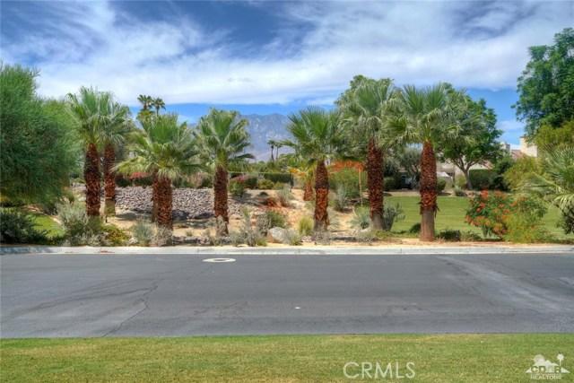 10 Via Haciendas, Rancho Mirage CA: http://media.crmls.org/medias/a28f94bf-1b53-429e-a057-84af946ad5bb.jpg