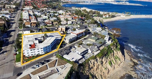Single Family for Sale at 4081 Bluff Place Avenue S San Pedro, California 90731 United States