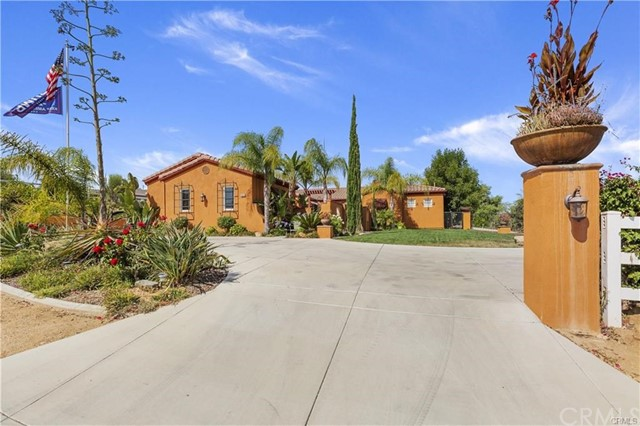 Photo of 18643 Oak Park Drive, Riverside, CA 92504