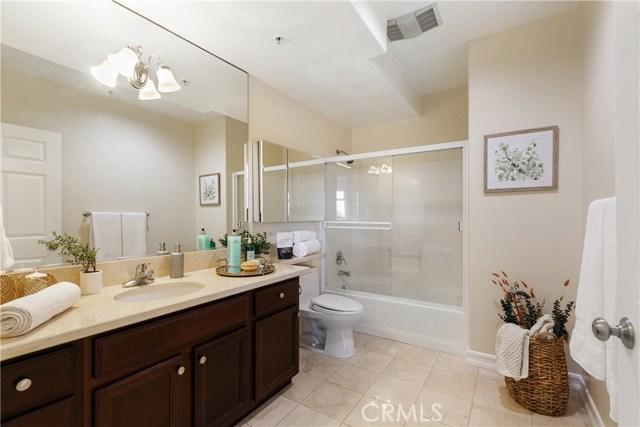 926 S Manhattan Place, Los Angeles CA: http://media.crmls.org/medias/a2c390bd-3d9b-43f5-ad12-a1cabf5a17c2.jpg