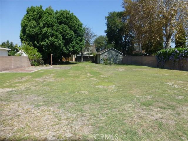 8122 Hazard Avenue, Midway City CA: http://media.crmls.org/medias/a2c3bbf5-c298-4f89-8f11-dde42bd815ae.jpg