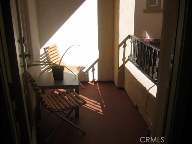 29 Flowerbud, Irvine CA: http://media.crmls.org/medias/a2c3c124-d41d-4c26-8bfa-8e4409bf04fc.jpg