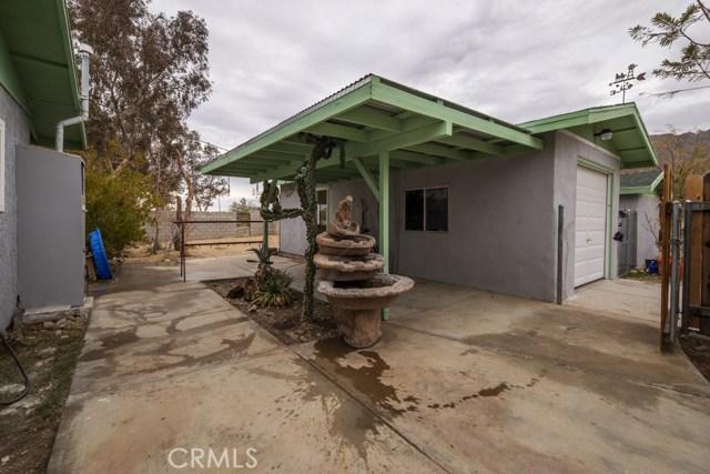6969 Mesquite Springs Road, 29 Palms CA: http://media.crmls.org/medias/a2d415e6-0a56-4640-87e2-cba0650c5cc3.jpg