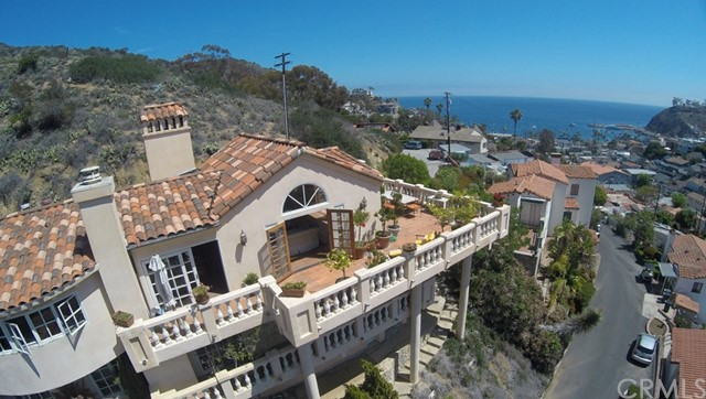 Single Family Home for Sale at 333 Las Lomas Avenue Avalon, California 90704 United States