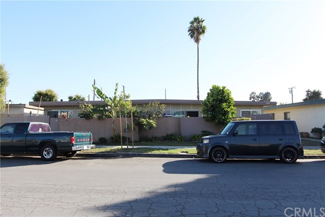 8432 Tamaru Drive Huntington Beach, CA 92647 is listed for sale as MLS Listing OC16730480