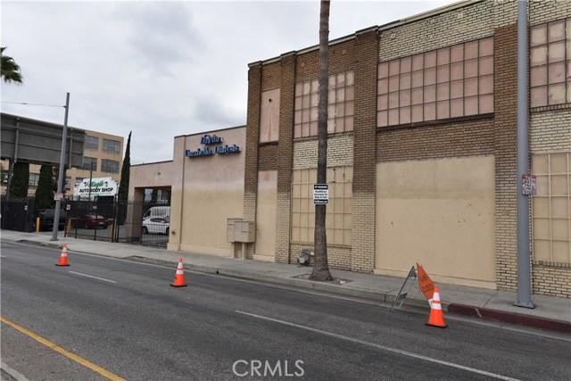 757 E Washington Boulevard, Los Angeles CA: http://media.crmls.org/medias/a2e6342d-082a-4ee9-8e79-605b23d48e85.jpg