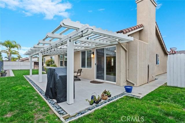 40232 Saddlebrook Street, Murrieta CA: http://media.crmls.org/medias/a2f27f60-fd54-4bd5-accd-5ed4e7f9fe65.jpg
