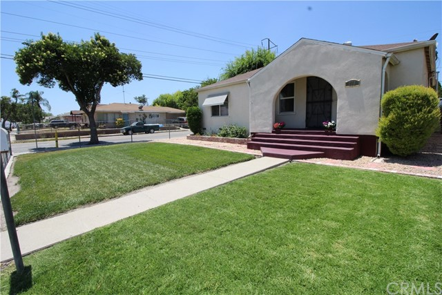 798 Bunker Hill Drive, San Bernardino CA: http://media.crmls.org/medias/a308ee85-cf9f-4679-b8aa-2066c7a5b531.jpg