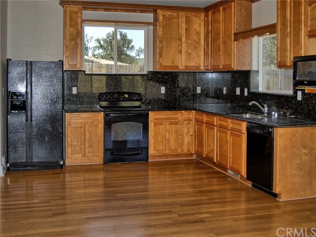 2723 Apache Trail, Clearlake Oaks CA: http://media.crmls.org/medias/a30b437c-6e35-4067-9491-7b9825e1a2a3.jpg