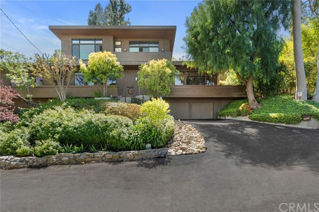 3662 Dixie Canyon Avenue  Sherman Oaks CA 91423