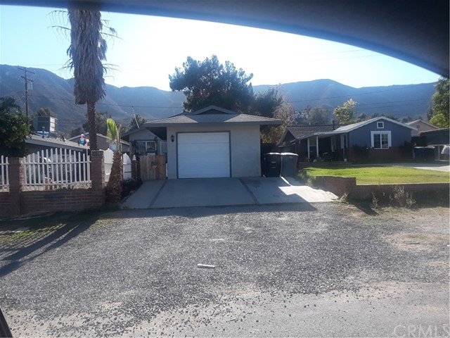 17617 Sutherland Avenue, Lake Elsinore CA: http://media.crmls.org/medias/a315045e-0ae8-45ed-8c76-9906c3cd1195.jpg