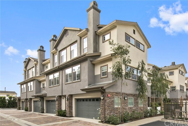 Townhouse for Sale at 615 Seabright Costa Mesa, California 92627 United States