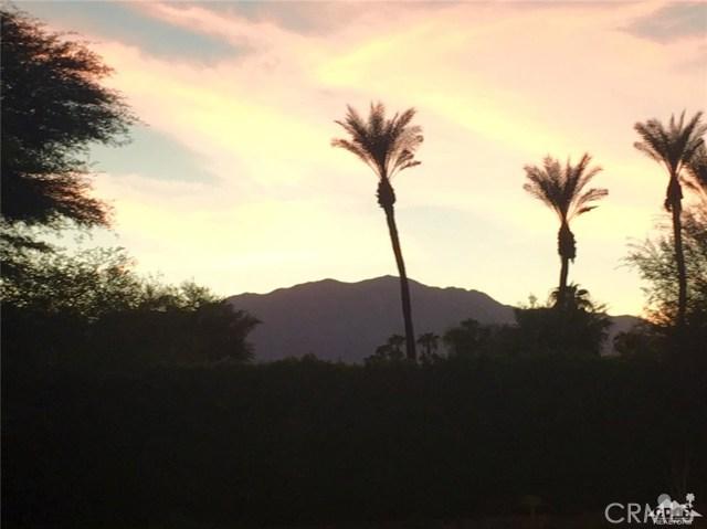 5 Varsity Circle, Rancho Mirage CA: http://media.crmls.org/medias/a321a128-7a5f-4b84-9d0a-a19ea56d18b7.jpg