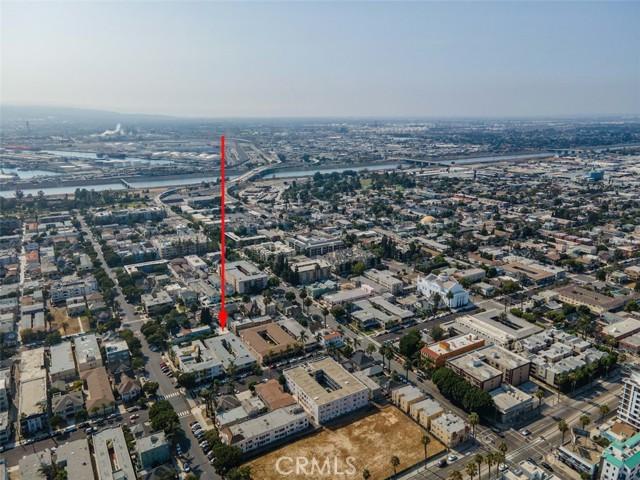 519 Cedar Avenue, Long Beach CA: http://media.crmls.org/medias/a32a35bc-93d7-4ecf-9e47-89e38995b685.jpg