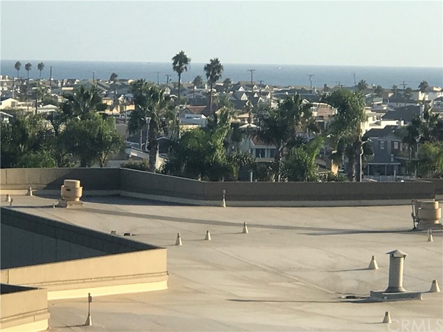 280 Cagney Lane, Newport Beach CA: http://media.crmls.org/medias/a3330341-e088-4d8e-98cf-bfcdfd5924be.jpg