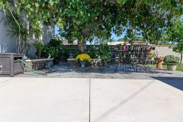 10806 Madge Avenue, South Gate CA: http://media.crmls.org/medias/a335ced0-3980-4144-91ef-e8672b8b29eb.jpg